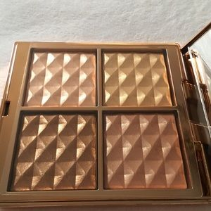 Laura Mercier Magic Hour Face Illuminator Palette